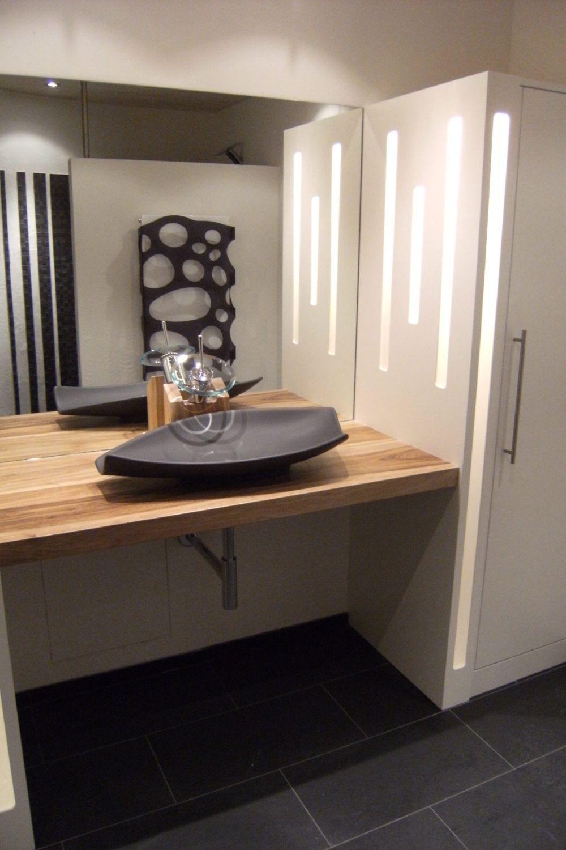 Schön aussehendes Badezimmer Lavabo von Hettich & Partner
