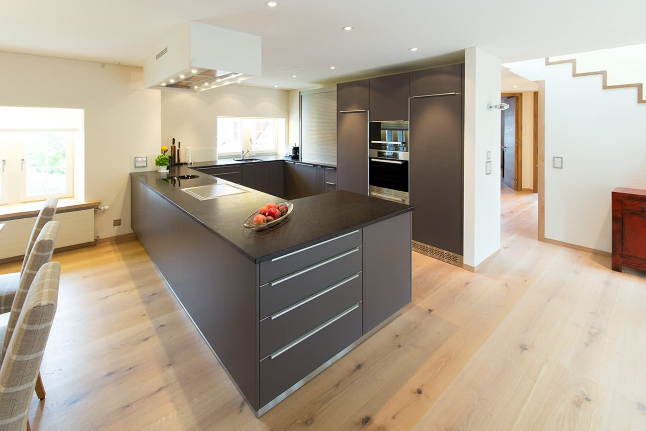 Neubau einer schönen und hellen Küche.