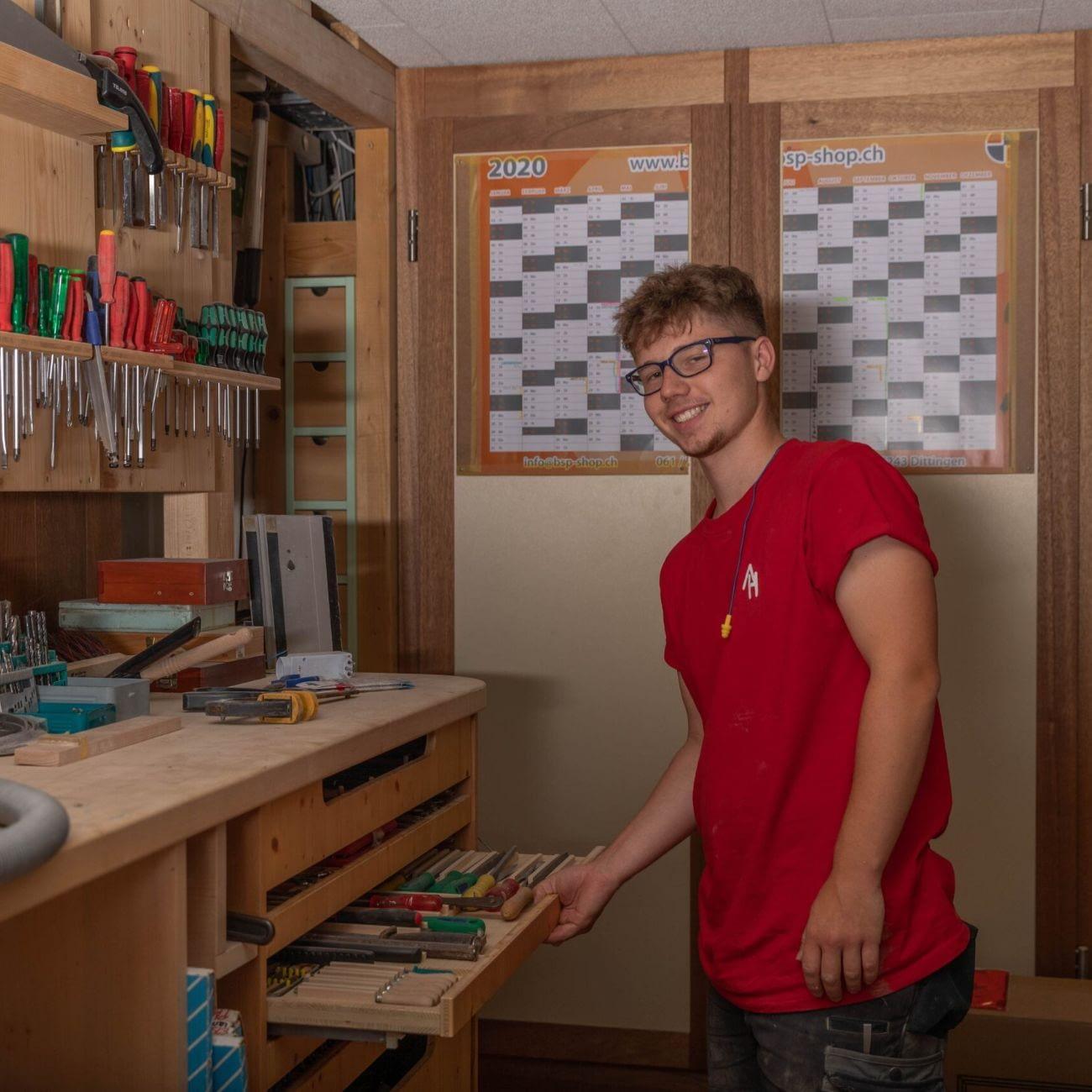 Lukas Berg während der Arbeit